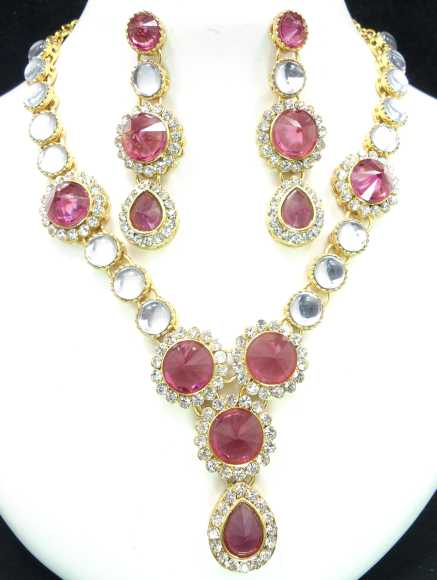 Anika Indian Necklace Set