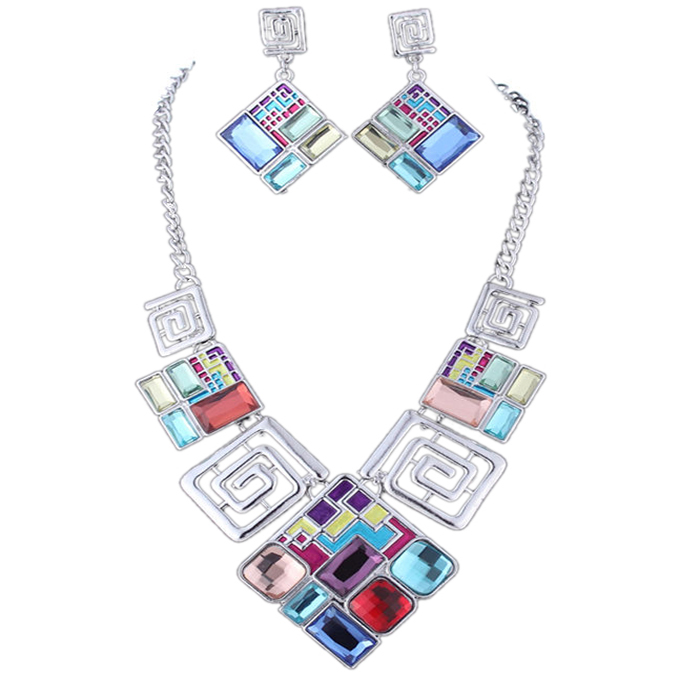 Lela Bib Necklace