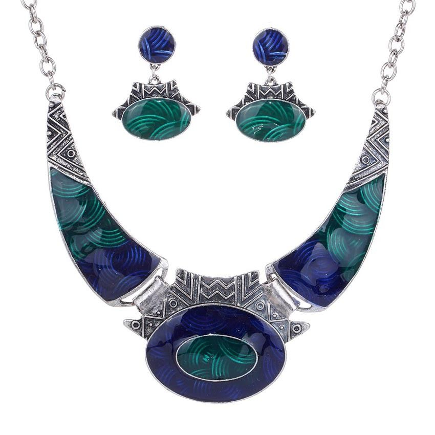 Catarina Crescent Necklace