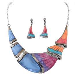 Linn Crescent Necklace Set.