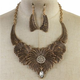Armelle Crescent Necklace Set III