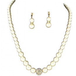 Hestia Pearl Necklace Set