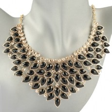 Livy Black Beauty Fashion Necklace 1