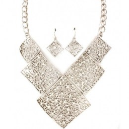 Lori Bib Necklace Set.