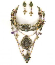 Yolanda Bib Necklace Set