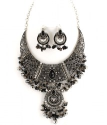 Paris Bib Necklace Set