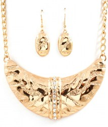 Cali Crescent Necklace Set