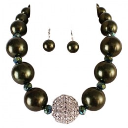 Carley Pearl Necklace Set