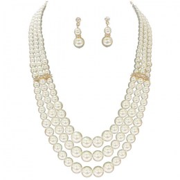 Claudina Pearl Necklace Set.