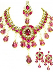 Vamakshi Indian Necklace Set