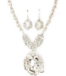 Kristie Pendant Necklace Set