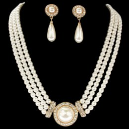 Cherie Faux Pearl Necklace Set.