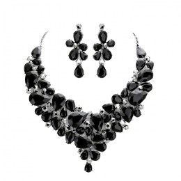 Tyra Crystal Necklace Set.