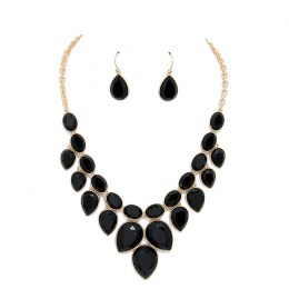 Amanada Stone Necklace Set