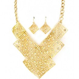 Cheryl Bib Necklace Set.