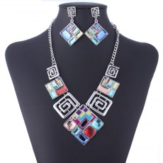 Lela Bib Necklace 2