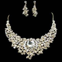 Alanna Crystal Necklace Set