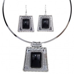 Timora Stone Necklace Set 1