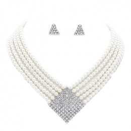 Kylie Faux Pearl Necklace Set.