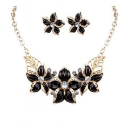 Zenobia Bib Necklace Set.