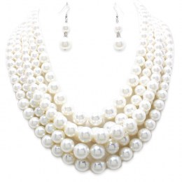 Maci Faux Pearl Necklace Set.