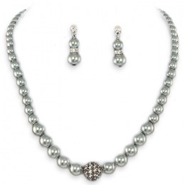 Mimi Pearl Necklace Set