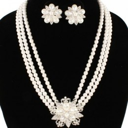 Francina Pearl Necklace Set. II
