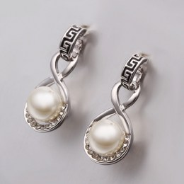 Lexie Faux Pearl Earrings 4