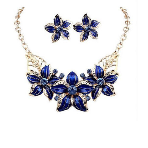 Titania Bib Necklace Set